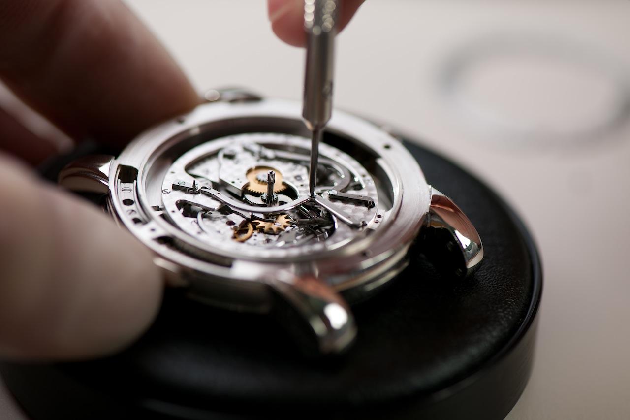 Замена стекла наручных часов