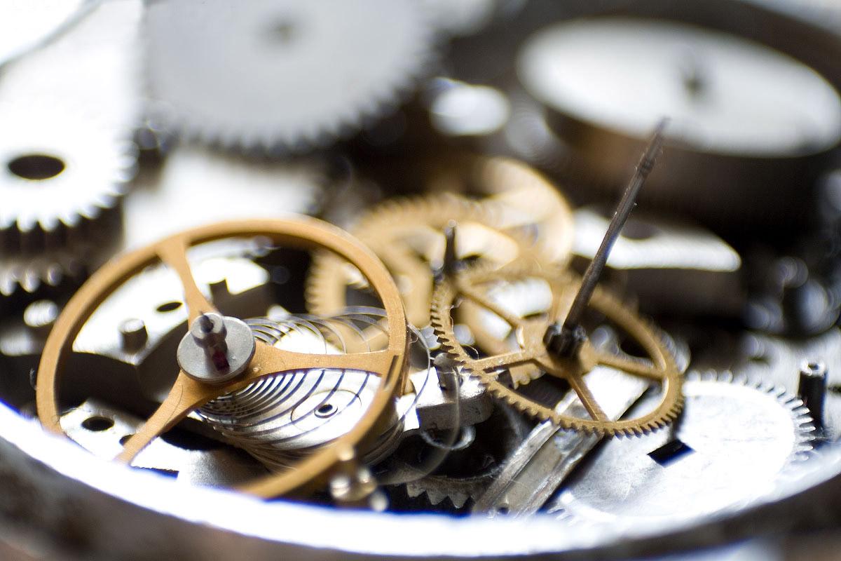 Как смазать наручные механические часы